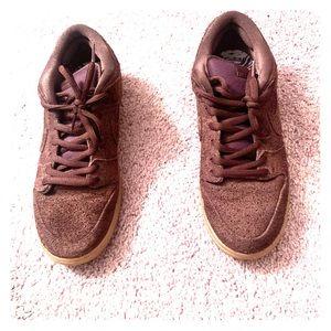 Low top brown dunks